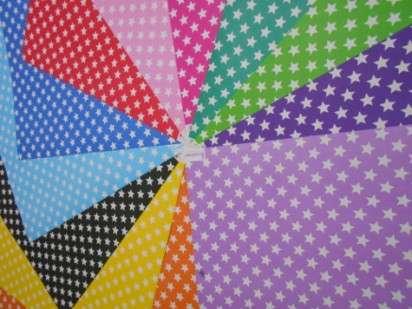 Cartulina Decorada Pinguino 50 X 70 120 Grs. Paq. X 10 Unid. Estrella Grande Negro/Rojo Cod. 210521