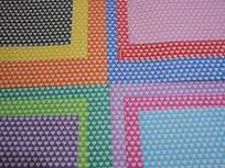 Cartulina Decorada Pinguino 50 X 70 120 Grs. Paq. X 10 Unid. Corazon Chico  Azul/Amarillo Cod. 210934