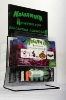 Juego Halloween 1 Brillantina Magicolor Luminosa Surtida Tira X 5 Unid. De 5 Grs.+ 1 Adhesivo Magicola® 3D + 4 Laminas . En Blister.Cod.881